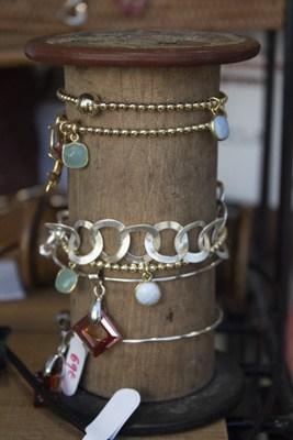 Jez Debugey - bijoux - personnalisé - qualité - fabriqué en France - fait à la main - sur mesure